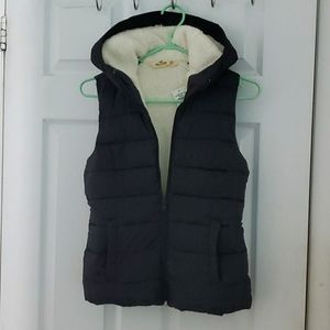 Hollister Warm Padded Puffer Vest with hood